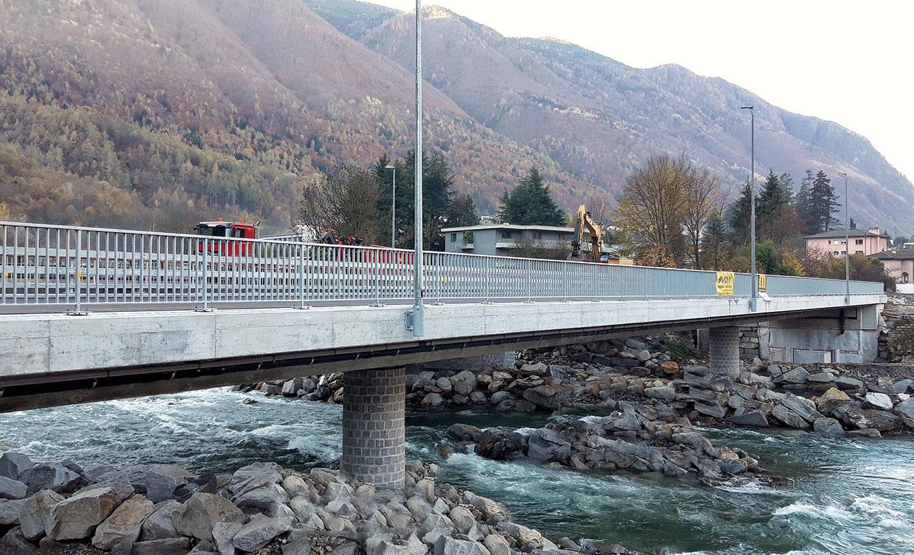 N13 EP18 Pont sur la rivière Moesa, ROVEREDO – SUISSE